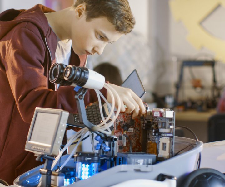 Robotika – vítané oživení výuky nebo noční můra pro učitele a ředitele škol